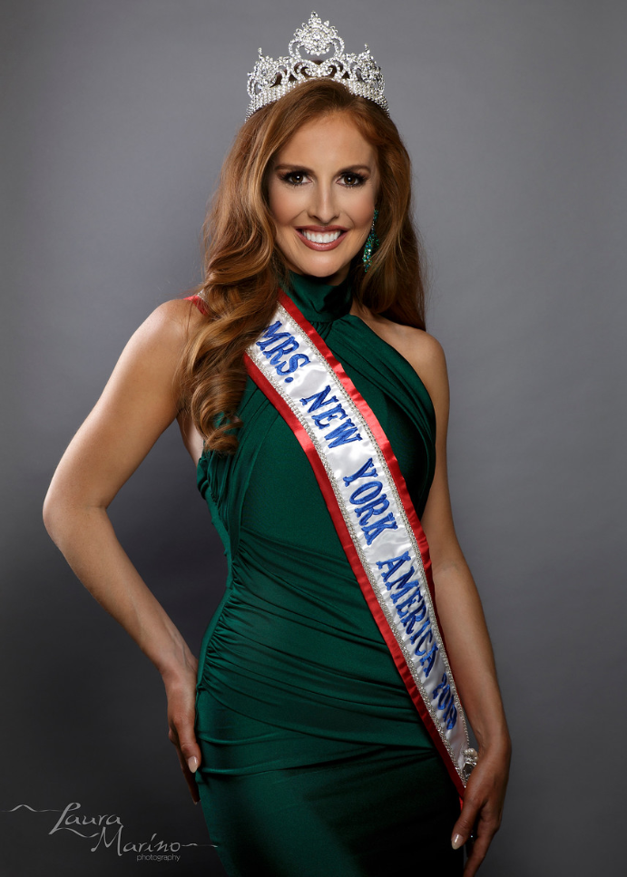 Mrs. New York America 2019, Kate Schneider